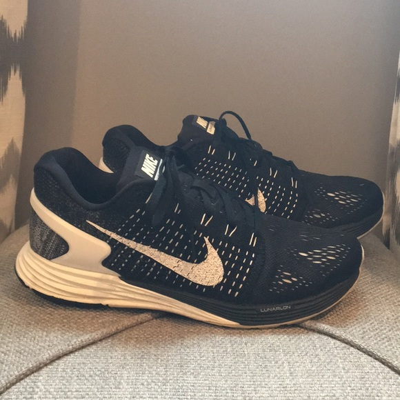 separation shoes 1bb9b f33f2 Nike Lunarglide 7 Black/White Womens Size 8.5M